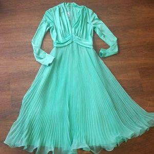 Vintage pleated Miss Elliette green dress